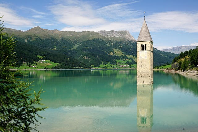 The legendary story of the bell tower emerging from a lake