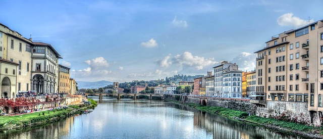 Florence by day. Arno river.
