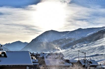 Snow and ice on the Italian alps