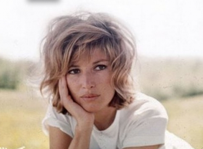 a scene from Eclipse - 1962 - Monica Vitti